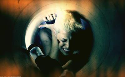 crawl or die image